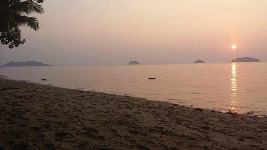 Gajapuri Resort & Spa: Evening Sunsets