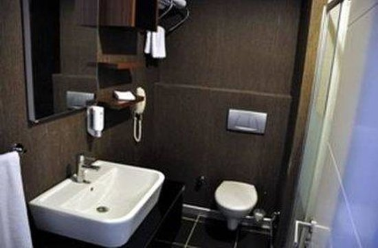 Asia City Hotel: Other Hotel Services/Amenities