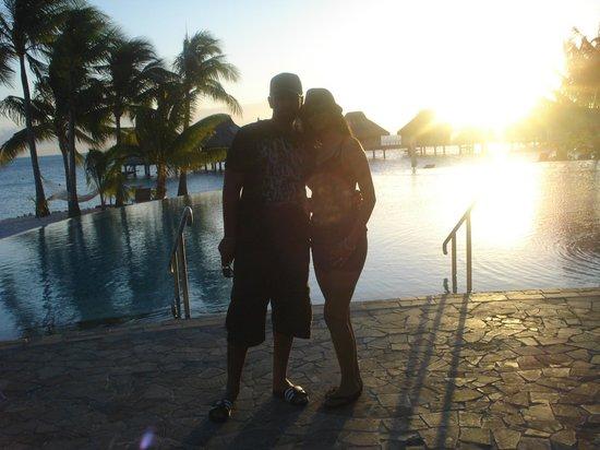 Conrad Bora Bora Nui: poolside