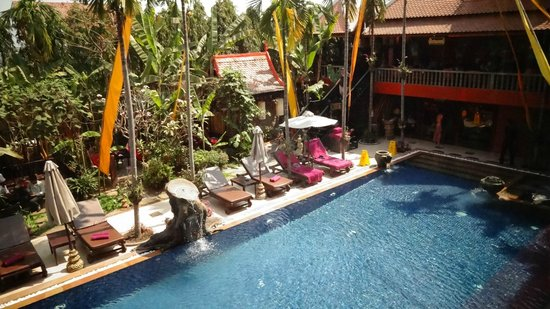 Golden Temple Hotel : piscine