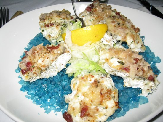 Chart House: Baked Chesapeake Oysters