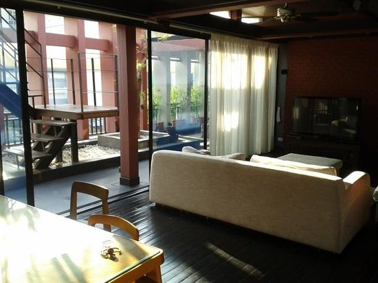 Loog Choob Homestay: Common living room at the top floor