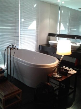 Loog Choob Homestay: Our lovely bathroom