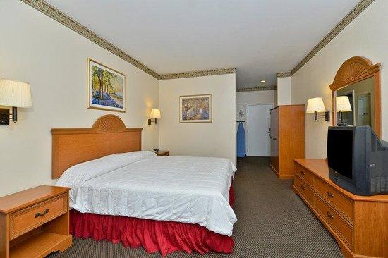 Americas Best Value Inn & Suites-Haltom City/Ft. Worth : One King Room
