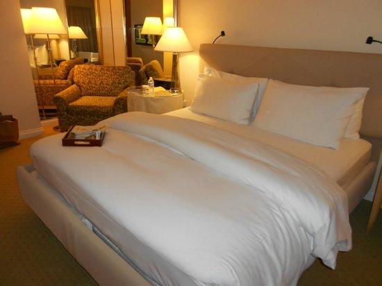 Taj Campton Place: Bed after turndown service