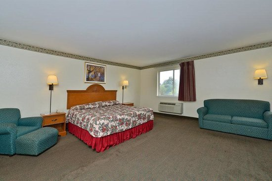 Americas Best Value Inn & Suites-Haltom City/Ft. Worth : King Suite