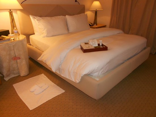 Taj Campton Place: Bed after turndown service