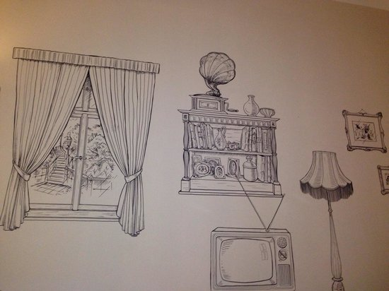 Lavender Circus Hostel: The drawings on your bedroom wall