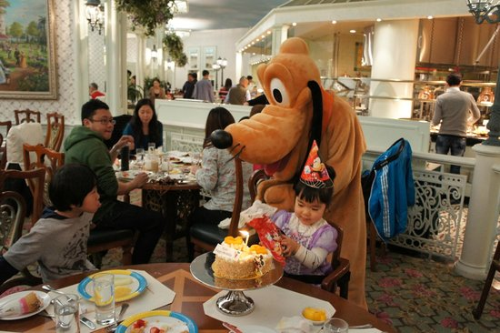 香港ディズニー キャラクターに会えるレストラン
