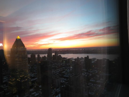 Residence Inn New York Manhattan/Central Park: view of the sunset
