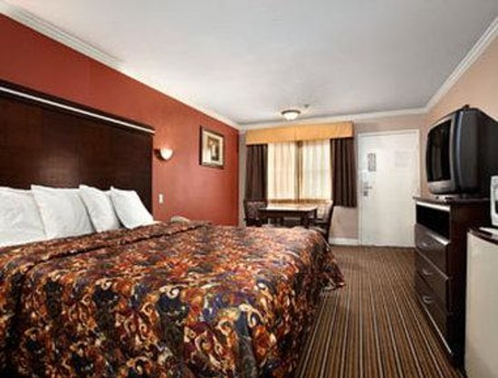 Travelodge Whittier: Guest Room