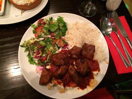 Istanbul Barbecue & Bistro: Iskender kebab