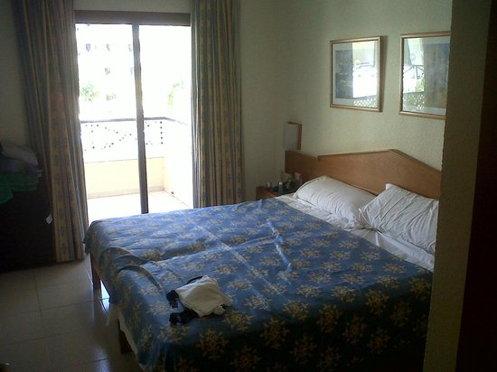 Aparthotel Parque de la Paz: bedroom