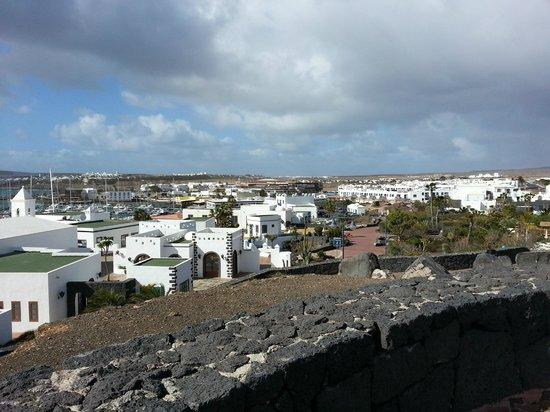 Marina Rubicón: View over Rubicon from promanade