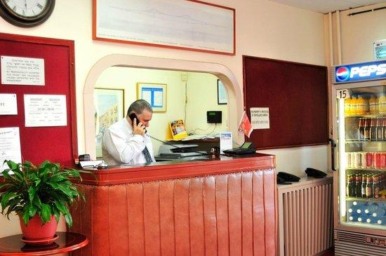 Palatin Hotel: Concierge
