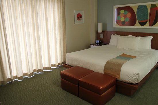 Shoreline Hotel Waikiki: King room