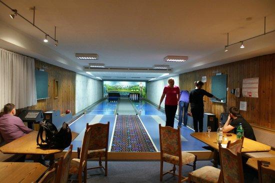 Relax- & Vitalhotel Adler: bowling room