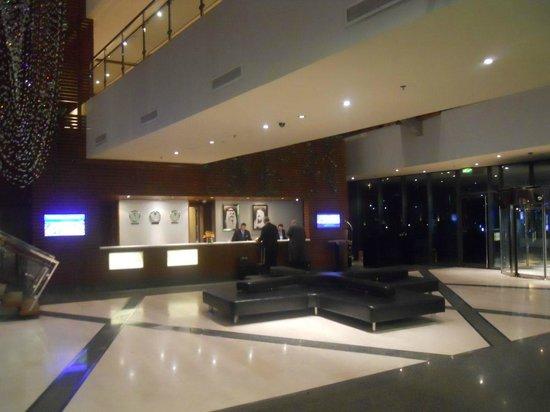 Hilton Kuwait Resort: Reception