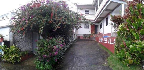 Symes Zee's Villa : Entrance view