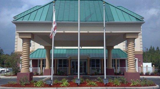 BEST WESTERN PLUS First Coast Inn & Suites : Hotel Exterior