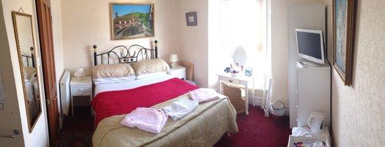 Jubilee Guest House: Bedroom 2
