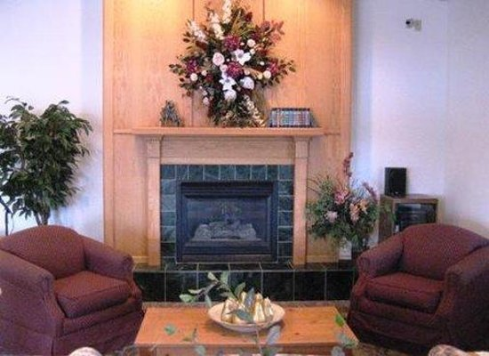 Crossings by GrandStay Waseca: Lobby View