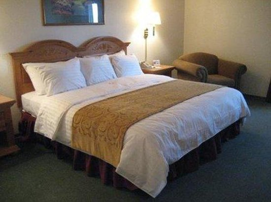 Crossings by GrandStay Waseca: Suite
