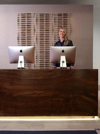 Refinery Hotel: Front Desk Welcome
