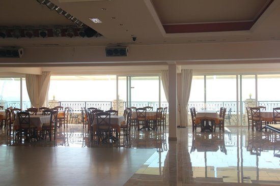 Aloha Hotel: Столовая.