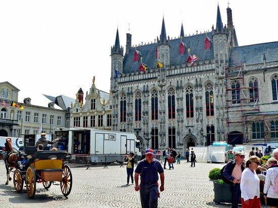 Burgplatz: Bruges - Burg-Stadhuis