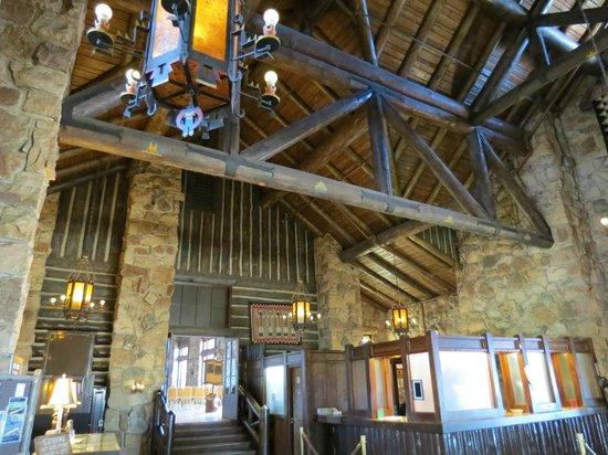 Grand Canyon Lodge - North Rim: Lobby
