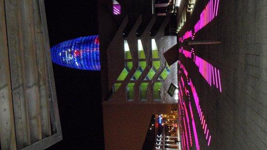 Torre Agbar: juego de luces activado con voz