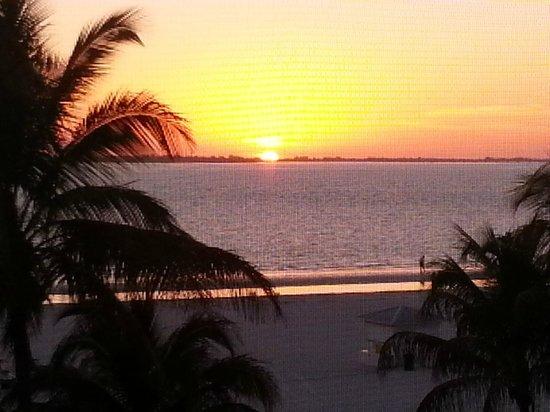 Pink Shell Beach Resort & Marina: My Sunset