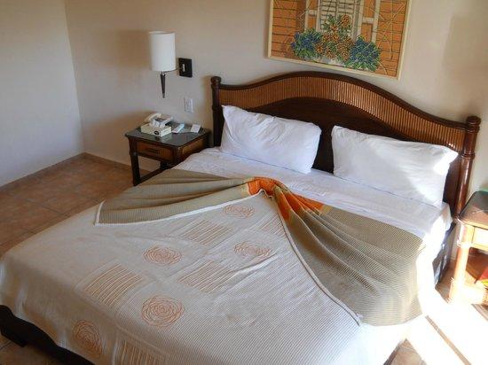 VH Gran Ventana Beach Resort: Large clean room