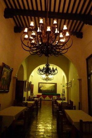 El Meson del Marques: restaurant area