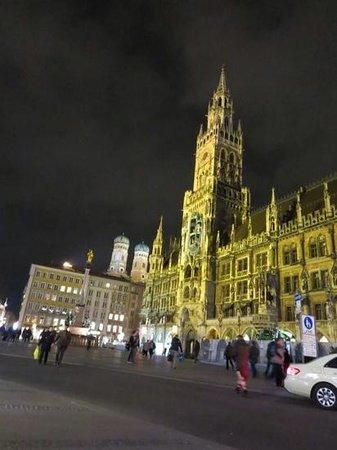 Marienplatz at Night