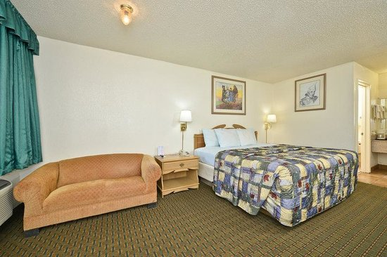 Americas Best Value Inn Oxford: One King Bed