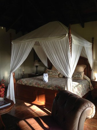 Hotel Borinquen Mountain Resort: Bed
