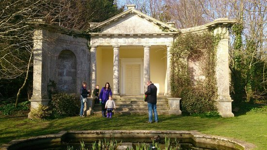 Kingston Maurward Park and Gardens: Spot for lunch...