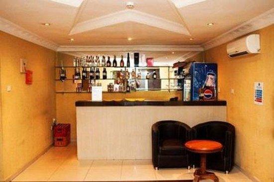 Diplomat Hotel: Bar Lounge