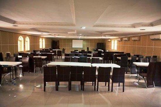 Diplomat Hotel: Meeting Room