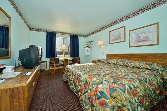 Americas Best Value Inn Tucumcari: One King Standard