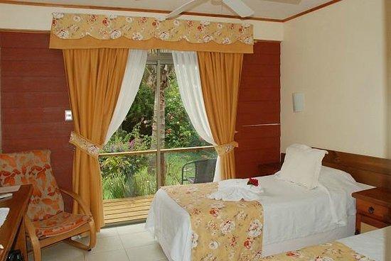 O'tai Hotel: Chambre twin