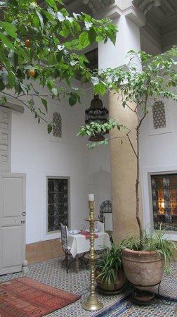 Dar Lalla F'dila : courtyard
