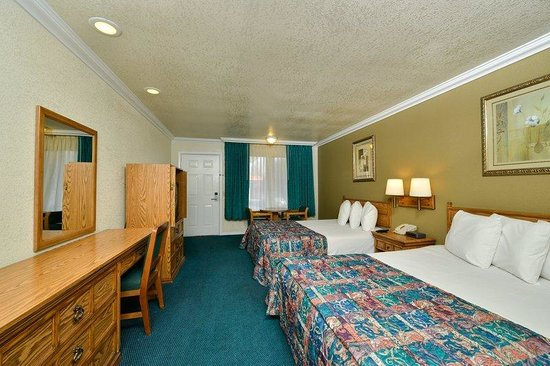 Americas Best Value Inn - Atascadero / Paso Robles: Two Queen Standard