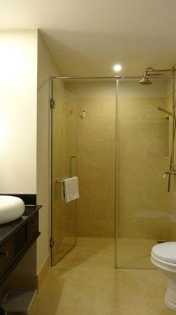 Little Hoian Boutique Hotel & Spa: salle de bain