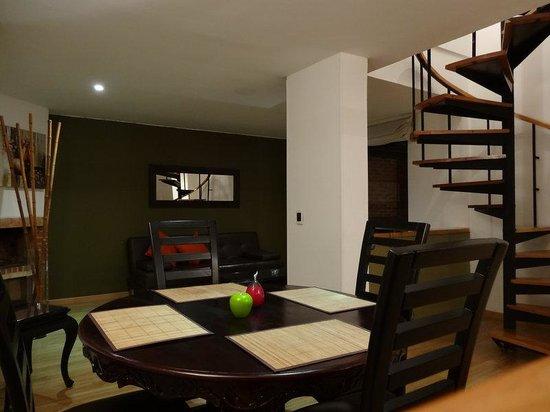 Arlington Place: Duplex Three Bedroom Apartment