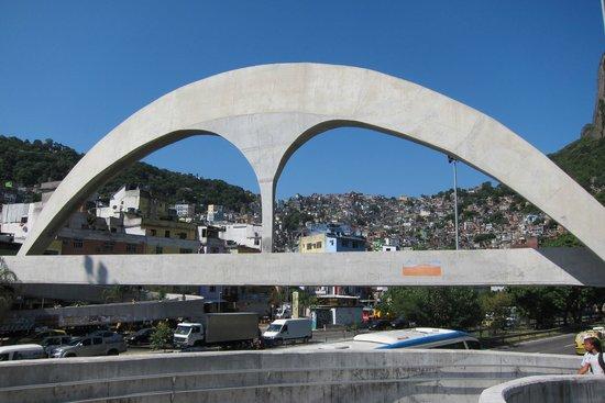 Favela Adventures : Favela Adventure Tour w/ Dembore