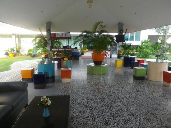 Cera Resort Chaam : bar, repas