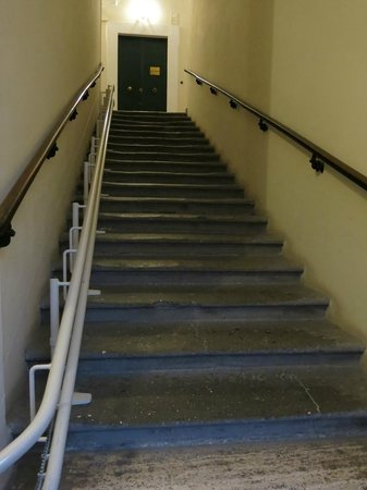Relais Maddalena: Stairway to Hotel